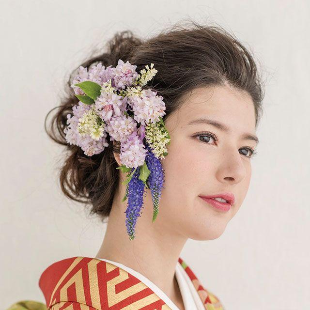 Hair, Hairstyle, Style, Petal, Eyelash, Beauty, Hair accessory, Lavender, Cut flowers, Artificial flower,