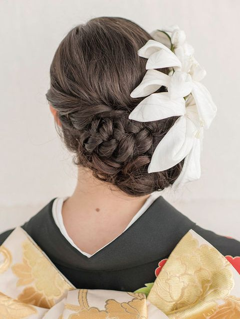 Hairstyle, Style, Hair accessory, Long hair, Braid, Costume accessory, Hair coloring, Headpiece, Costume, Costume design,