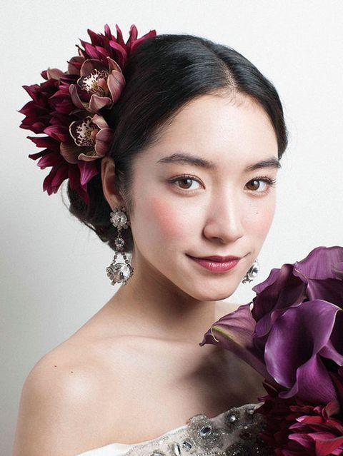 Lip, Petal, Hairstyle, Eyebrow, Eyelash, Style, Hair accessory, Beauty, Headgear, Purple,