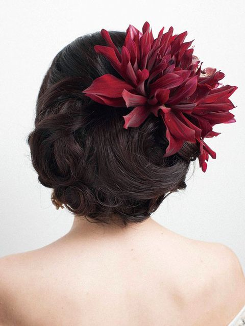 Hairstyle, Petal, Shoulder, Flower, Red, Hair accessory, Style, Back, Headpiece, Headgear,