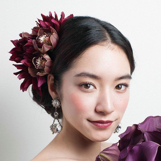 Lip, Petal, Hairstyle, Forehead, Eyebrow, Eyelash, Style, Hair accessory, Beauty, Purple,