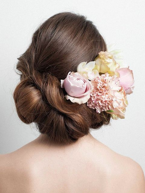 Brown, Hairstyle, Petal, Skin, Forehead, Shoulder, Hair accessory, Bridal accessory, Flower, Style,
