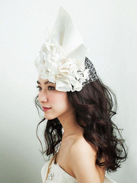 Hairstyle, Headpiece, Hair accessory, Headgear, Costume accessory, Beauty, Fashion, Bridal accessory, Youth, Long hair,