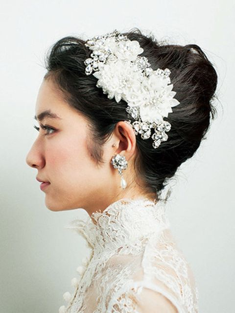 Clothing, Hair, Ear, Hairstyle, Bridal accessory, Skin, Forehead, Eyebrow, Hair accessory, Photograph,