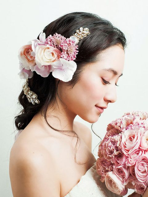 Petal, Hairstyle, Skin, Forehead, Flower, Hair accessory, Photograph, Headpiece, Style, Pink,