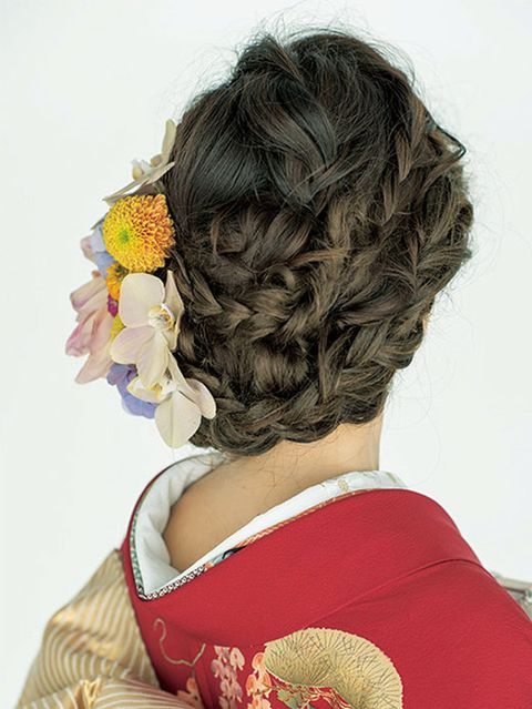 Hairstyle, Style, Hair coloring, Brown hair, Long hair, Artificial flower, Artwork, Painting, Cut flowers, Illustration,