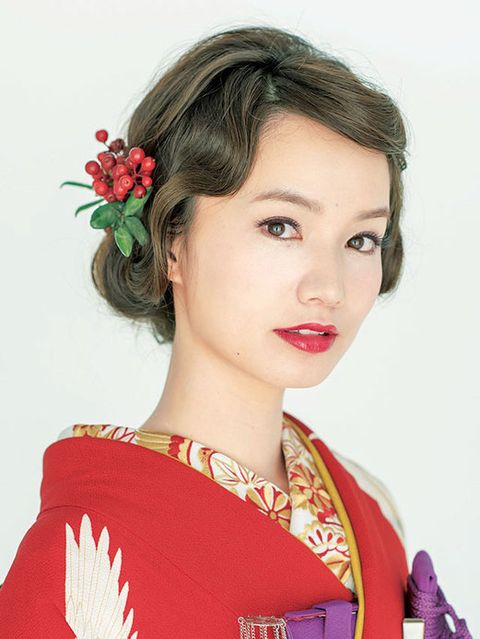Lip, Hairstyle, Chin, Eyebrow, Style, Eyelash, Petal, Fashion, Costume, Beauty,