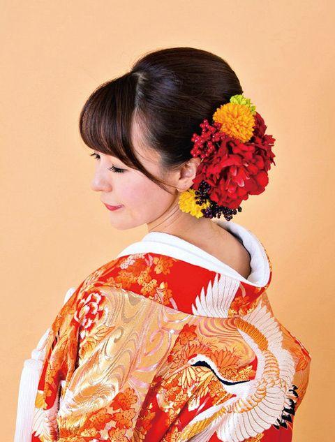 Hair, Kimono, Hairstyle, Shimada, Clothing, Costume, Yellow, Sakko, Tradition, Peach,