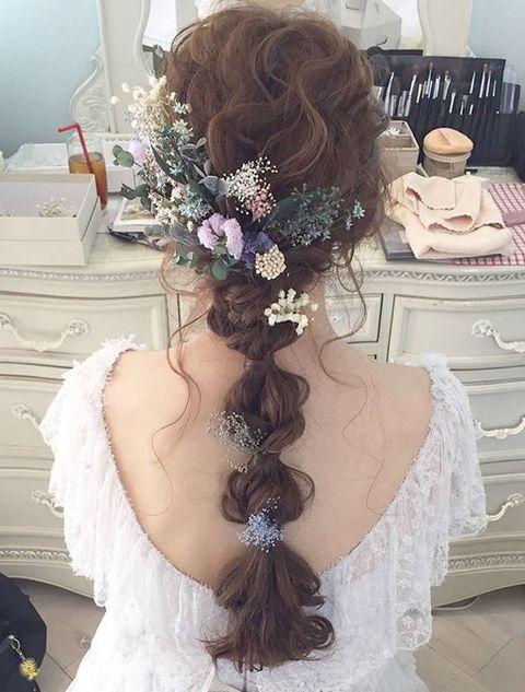 Hair, Hairstyle, Headpiece, Clothing, Long hair, Beauty, Bridal accessory, Bride, Fashion accessory, Hair accessory,