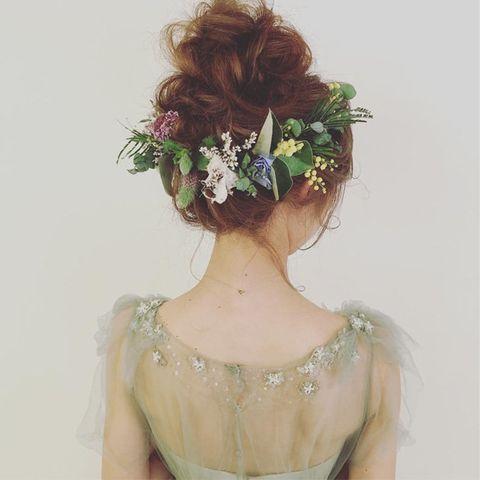 Hair, Headpiece, Hairstyle, Hair accessory, Beauty, Crown, Pink, Flower, Long hair, Plant,