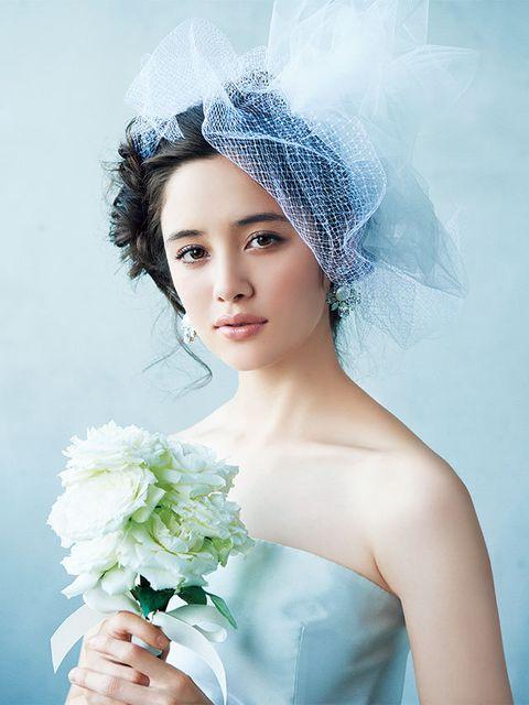 Headpiece, Hair, Bride, Bridal accessory, Veil, Beauty, Hair accessory, Bridal veil, Hairstyle, Flower,