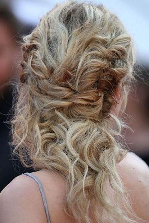 Hair, Hairstyle, Blond, Long hair, Hair coloring, Chin, Brown hair, Surfer hair, Layered hair, Ringlet,