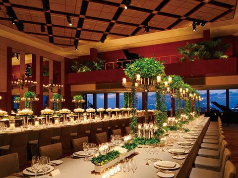 Function hall, Decoration, Building, Rehearsal dinner, Restaurant, Banquet, Interior design, Event, Room, Table,