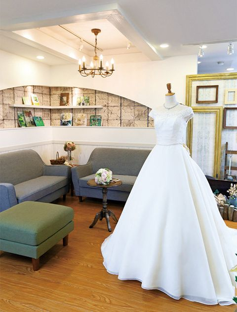 Dress, White, Gown, Wedding dress, Photograph, Clothing, Room, Bridal clothing, Floor, Ceiling,