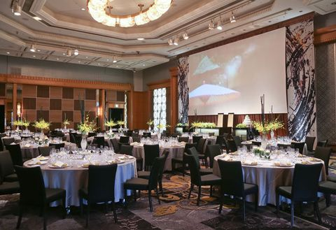 Function hall, Wedding banquet, Restaurant, Rehearsal dinner, Banquet, Building, Room, Interior design, Ballroom, Event,