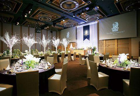 Function hall, Building, Decoration, Interior design, Restaurant, Room, Event, Banquet, Ceiling, Centrepiece,