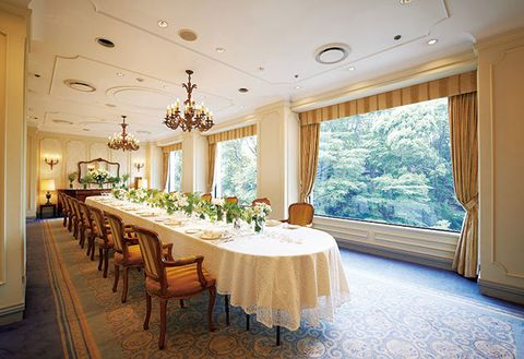 Room, Building, Interior design, Property, Function hall, Ceiling, Dining room, Decoration, Banquet, Restaurant,