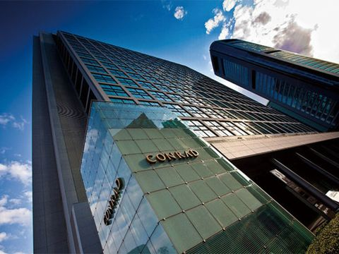 Daytime, Facade, Urban area, Metropolitan area, Commercial building, Glass, Tower block, Building, City, Colorfulness,