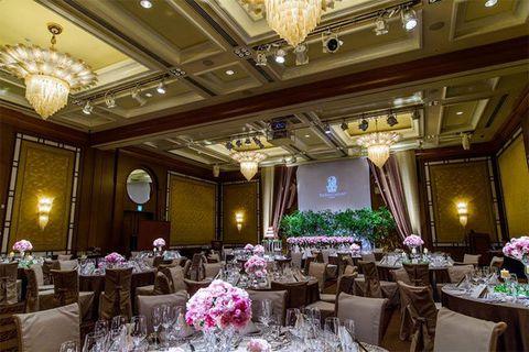 Decoration, Wedding banquet, Function hall, Building, Ballroom, Room, Ceiling, Interior design, Restaurant, Lighting,