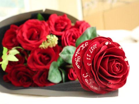 Red, Flower, Bouquet, Garden roses, Rose, Cut flowers, Rose family, Plant, Rose order, Floribunda,