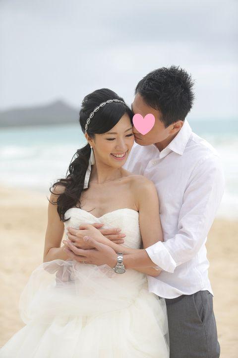 Photograph, Bride, Wedding dress, White, Bridal clothing, Wedding, Veil, Ceremony, Dress, Honeymoon,