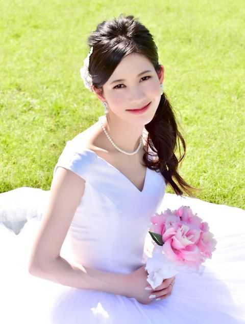 White, Hair, Clothing, Skin, Shoulder, Beauty, Pink, Hairstyle, Dress, Bride,