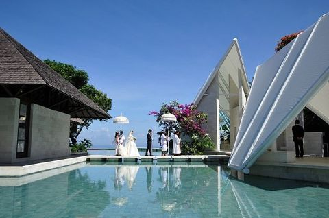 Swimming pool, Property, Resort, Vacation, House, Leisure, Building, Architecture, Real estate, Villa,
