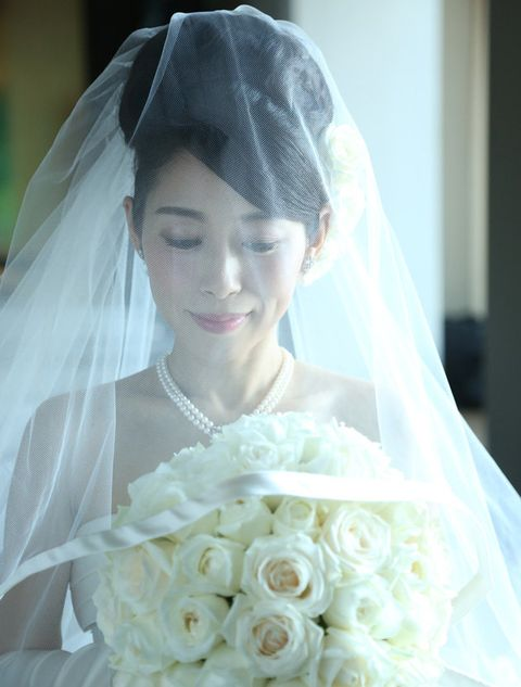 Bride, Veil, Bridal veil, Bridal accessory, Hair, Photograph, Wedding dress, Headpiece, Bridal clothing, Dress,