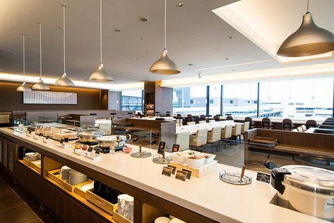 Building, Interior design, Lighting, Room, Restaurant, Architecture, Brunch, Ceiling, Furniture, Cafeteria,
