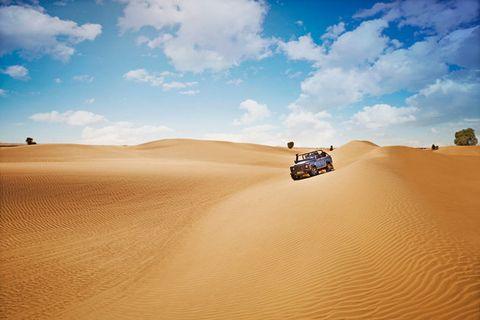 Desert, Sand, Erg, Natural environment, Sahara, Aeolian landform, Dune, Sky, Singing sand, Landscape,