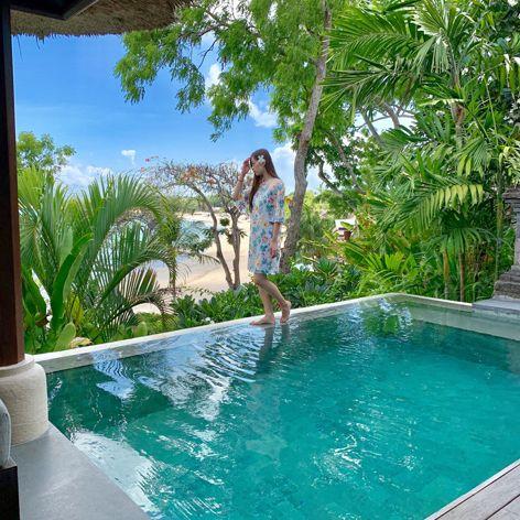 Swimming pool, Leisure, Property, Resort, Vacation, Water, Real estate, House, Backyard, Tree,