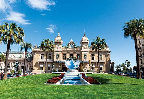 Landmark, Building, Architecture, Grass, Sky, Tree, Palace, Mansion, Estate, Tourism,