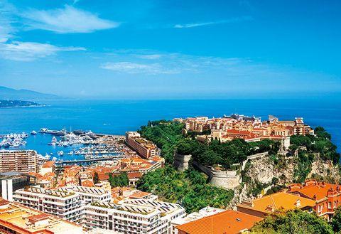 Town, Sky, Tourism, City, Landmark, Human settlement, Azure, Sea, Coast, Metropolitan area,
