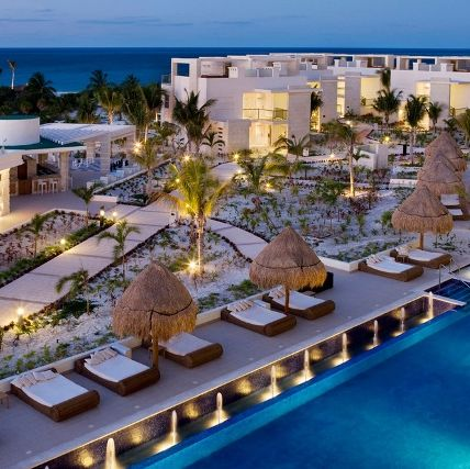 Resort, Property, Swimming pool, Building, Real estate, Hotel, Architecture, Resort town, Vacation, Mixed-use,