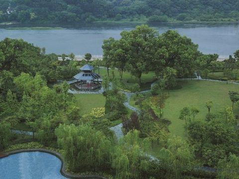 Natural landscape, Nature, Water resources, Vegetation, Water, Green, Nature reserve, Hill station, Reservoir, Biome,