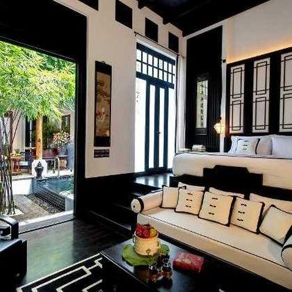Room, Property, Living room, Interior design, Building, Furniture, House, Home, Real estate, Ceiling,