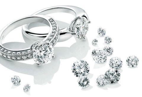 Ring, Body jewelry, Pre-engagement ring, Diamond, Platinum, Engagement ring, Jewellery, Fashion accessory, Wedding ring, Wedding ceremony supply,