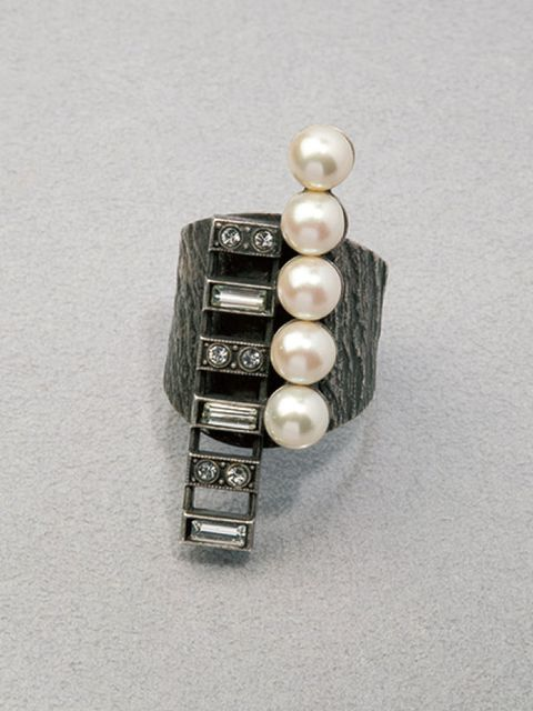 Jewellery, Earrings, Fashion accessory, Body jewelry, Natural material, Metal, Grey, Gemstone, Jewelry making, Silver,