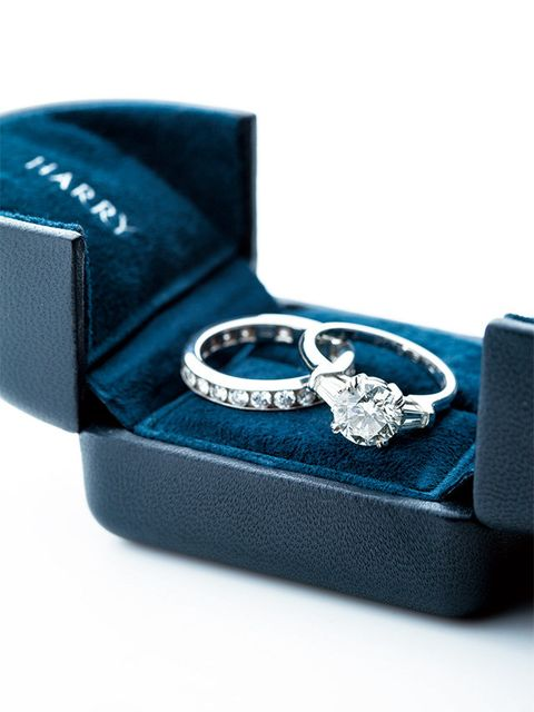 Blue, Fashion accessory, Electric blue, Jewellery, Engagement ring, Buckle,