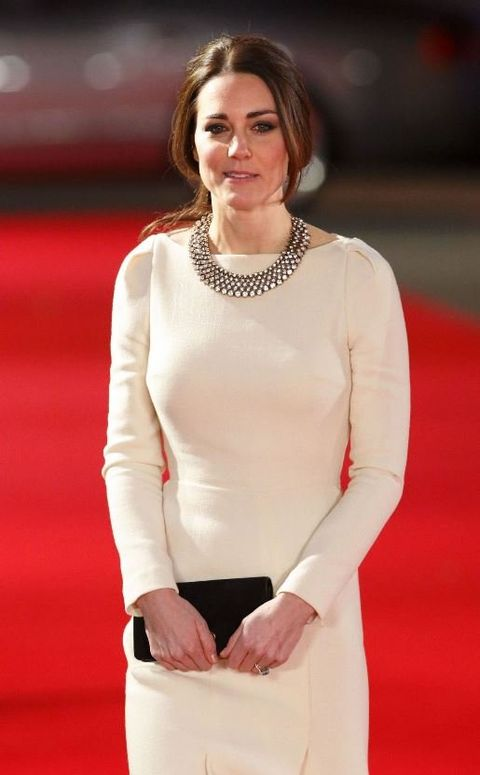 Clothing, Fashion, Hairstyle, Carpet, Dress, Neck, Red carpet, Premiere, Flooring, Sleeve,