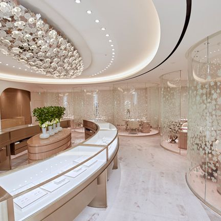 Ceiling, Interior design, Building, Property, Room, Lobby, Architecture, Design, Real estate, Floor,