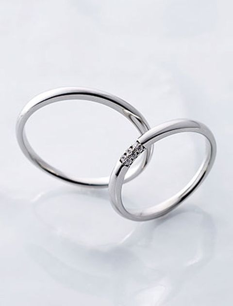 Platinum, Fashion accessory, Jewellery, Ring, Metal, Body jewelry, Silver, Wedding ring, Wedding ceremony supply, Engagement ring,