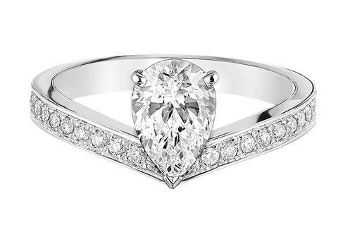 Ring, Pre-engagement ring, Engagement ring, Platinum, Diamond, Jewellery, Fashion accessory, Body jewelry, Wedding ring, Wedding ceremony supply,