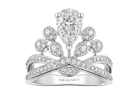 Diamond, Crown, Fashion accessory, Jewellery, Platinum, Silver, Metal, Tiara, Gemstone, Engagement ring,