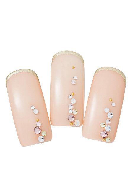 Brown, Peach, Nail, Tan, Beige, Material property, Cosmetics, Nail care, Silver, Nail polish,