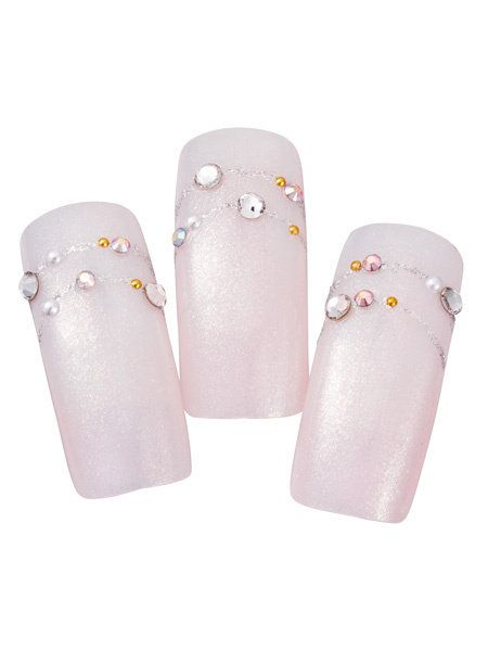 Grey, Beige, Lavender, Nail, Silver, Foot, Nail care, Musical instrument accessory, Nail polish, Synthetic rubber,