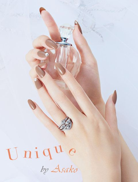 Finger, Nail, Ring, Hand, Engagement ring, Skin, Fashion accessory, Jewellery, Manicure, Peach,