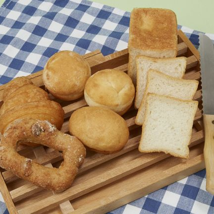 Food, Finger food, Ingredient, Cuisine, Baked goods, Bread, Tableware, Pattern, Dish, Snack,