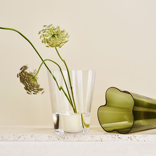 Vase, Flower, Plant, Cut flowers, Still life photography, Still life, Artifact, Plant stem, Ikebana, Flowerpot,