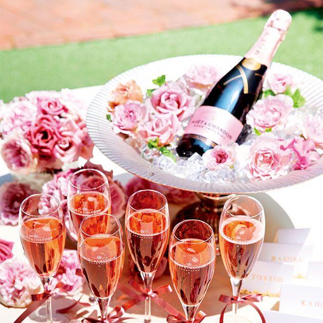 Champagne stemware, Wine glass, Pink, Stemware, Drink, Champagne, Alcoholic beverage, Wine, Drinkware, Peach,
